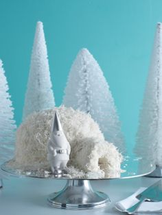 Recipe: Make a yummy igloo cake. It's so good your guests might give you an Eskimo kiss.