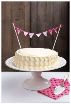 cute cake topper - would be easy to recreate