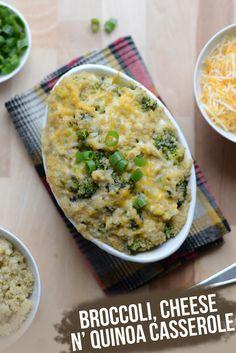 Broccoli, Cheese, n' Quinoa  Ingredientes.....  -1/2 Cebolla finamente picada -1,5 Tazas de quinoa cocida -2 Cabezas de brócoli -Mantequilla 1 cucharada (o aceite de oliva 1 cucharada) -sal, al gusto -pimienta, al gusto -1 Taza de leche (yo usé almendra, pero cualquier tipo) ~ 1 taza de queso cheddar rallado'''---- Instrucciones------'''En primer lugar, precalentar el horno a 180 y egrase un molde para hornear de tamaño medio con mantequilla o aceite de oliva. A continuación, en una sartén…