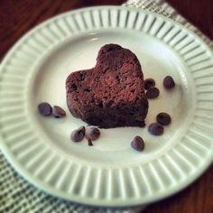 All kinds of healthy brownies; vegan and low cal, from spinach to black beans! Yum!