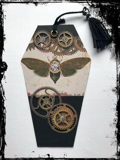 Sarg-Lesezeichen #Steampunk #Gothic #Vintage #Zahnrad #VivelaVigo #Motte Steampunk, Gothic, Vintage, Word Reading, Craft, Moth, Casket, Marque Page, Goth