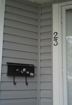 House Numbers and Mailbox Facelift