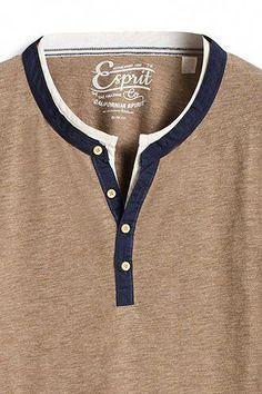 Esprit / T-shirt col tunisien, doux coton mélangé #MensT-shirts Polo Shirt Outfits, T Shirt Polo, Mens Polo T Shirts, Mens Tees, T Shirt Men, Polo Shirt Style, Gents T Shirts, Chemise Fashion, How To Wear Scarves