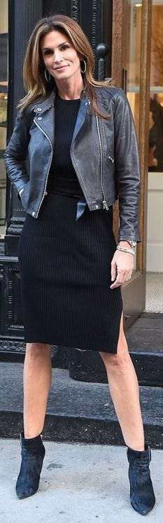 Who made Cindy Crawford's black ribbed dress?