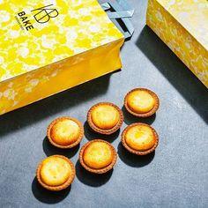 BAKE the original cheese tart dari Jepang turut memeriahkan acara Bazaar Beauty Awards 2017 yang diselenggarakan pada 22 November 2017 lalu. BAKE memberikan pengalaman menikmati perpaduan creamy cheese mousse dan crunchy tart yang lezat kepada para beauty enthusiast dan tamu undangan. #bakecheesetartid #bazaarindonesia via HARPER'S BAZAAR INDONESIA MAGAZINE OFFICIAL INSTAGRAM - Fashion Campaigns  Haute Couture  Advertising  Editorial Photography  Magazine Cover Designs  Supermodels  Runway…