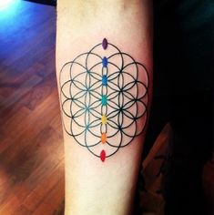 Only the best free Sacred Geometry Flower Of Life Tattoo tattoo's you can find online! Sacred Geometry Flower Of Life Tattoo tattoo's to print off and take to your tattoo artist. Yoga Tattoos, Forearm Tattoos, Body Art Tattoos, Sleeve Tattoos, Chakra Tattoo, Dr Tattoo, Tattoo Life, Tattoo Hand, Flower Of Life Tattoo