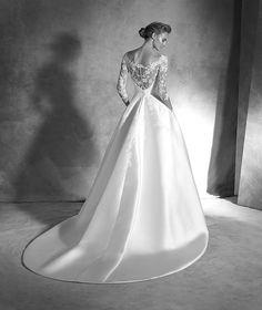 IONELA, Wedding Dress 2016 ATELIER PRONOVIAS