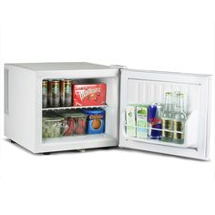 The small and practical ChillQuiet Mini Fridge is perfect for chilling all your favourite beverages, whether you're running short of space in your refrigerator or need a convenient place to store drinks close to hand. With a quiet running operation due to