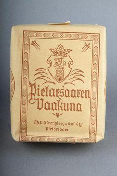 Forssan museo. Strenbergin tupakkatehtaan Pietarsaaren Vaakuna-tupakkaa.