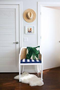 Beach-Inspired Home Decor | bows & sequins
