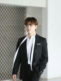 Remember 'Ode to You', Waiting for 'An Ode'📚 Woozi, Jeonghan, Wonwoo, Vernon Seventeen, Seventeen Debut, Hip Hop, Choi Hansol, Vernon Hansol, Wattpad