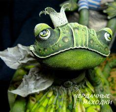 """Творческая мастерская """"Чердачные находки"""" Fabric Dolls, Fabric Art, Frog Crafts, Frog And Toad, Sewing Dolls, Kokeshi Dolls, Animal Faces, Illustration Artists, Soft Dolls"""
