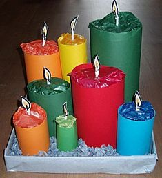 Knutselwerkje Kaarsen op schaal van knutselidee.nl Homemade Christmas Crafts, Christmas Paper Crafts, Diy Crafts To Do, Cute Crafts, Easy Crafts, Minion Surprise, Party Gifts, Diy Gifts, Cadeau Surprise