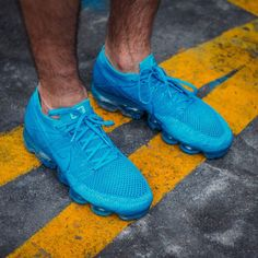 Nike Air Vapormax Flyknit Blue Orbit Nike Basketball Shoes, Sports Shoes, Nike Air Vapormax, Sneakers Nike, Sneakers Fashion, Kicks Shoes, Nike Running, Running Shoes, Men's Outfits