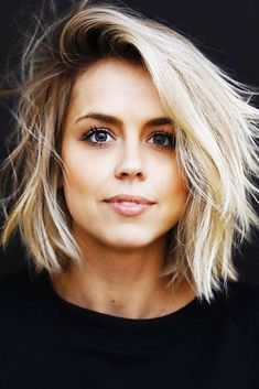 Chic Side Parted Lob ❤️ Explore the shoulder length bob hairstyles for thin and thick hair! Best bob hairstyles with bangs are here! Haircuts For Long Hair With Bangs, Messy Hairstyles, Side Fringe Hairstyles, Haircut For Thick Hair, Pixie Haircuts, Hair Side Fringe, Shoulder Length Bob Haircuts, Short Bob Thick Hair, Shoulder Length Hair Cut