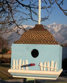 12 DIY Birdhouses and Birdfeeders