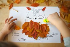 In this autumn period when dead leaves fall, the activities around them are inexhaustible. Kids love to tinker with their finds, so it falls, well it is ugly outside! Autumn Activities, Activities For Kids, Autumn Leaves Craft, Harry Potter Classroom, Paper Leaves, Leaf Crafts, Purple Flowers, Kids And Parenting, Diy For Kids