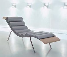 Ultra Modern Furniture Chair Westbourne Curved Black Leather Chaise Lounge