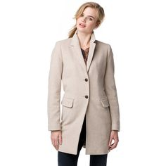 Sophisticated cashmere-wool-blend coat. Blazer-inspired styling with deeper V-neck styling. Flap-top pockets at the hips. Long styling in a regular fit. Kissing buttons on the sleeve. Fully lined.Our model is 1.76m and is wearing a size S Tommy Hilfiger coat.