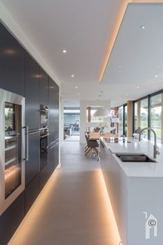 LED lighting in modern kitchen - LED lighting in modern kitchen - The decoration of home is similar to an ex. Kitchen Room Design, Modern Kitchen Design, Home Decor Kitchen, Kitchen Interior, New Kitchen, Kitchen Ideas, Kitchen Furniture, Kitchen Flooring, Kitchen Grey