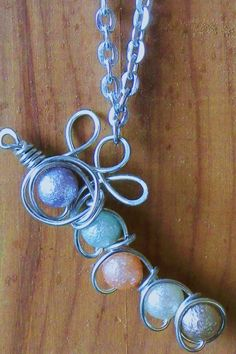 A pearly catapiler necklace