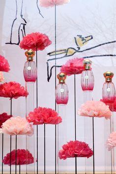 """Soline d'Aboville for Annick Goutal. Window design for the launch of the """"Rose Pompon"""" perfum.  Pour la sortie du parfum """"Rose Pompon"""", Soline d'Aboville réalise la scénographie des vitrines de l'ensemble du réseau de la maison Annick Goutal :  un décor tout en légèreté, en fleurs et en couleurs !"""