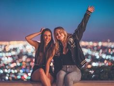 Bff Goals, Squad Goals, Best Friend Goals, Photoshoot Friends, Rooftop Photoshoot, Foto Pose, Friendship Photoshoot, Squad Pictures, Girl Friendship