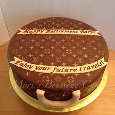 Louis Vuitton Luggage Cake - by Mari's Boutique Cakes Louis Vuitton Cake, Louis Vuitton Luggage, Luggage Cake, Creative Cakes, Cake Designs, Boutique, Desserts, Food, Tailgate Desserts