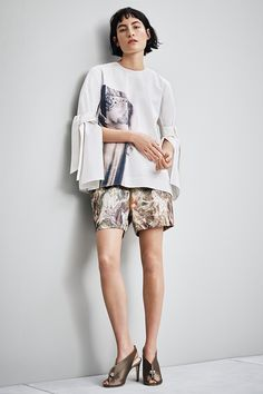 Gustave Moreau prints and contrasting details add an elegant twist to these shorts, which are made from organic hemp and silk.   H&M Conscious Exclusive