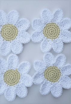 [Free Patterns] Beautiful Crocheted Daisy Coasters