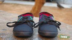 Black Canvas Shoes Design: IIIII I◊ ◊I