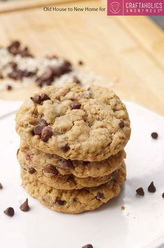 Peanut butter + oatmeal + Chocolate Chips.... Does it get any better than that?? You will LOVE this Peanut Butter Oatmeal Chocolate Chip Cookies recipe!     Peanut Butter Oatmeal Chocolate Chip Cookies Hey everyone! Amanda here from Old House to