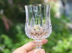 Orange wine is the new rose Orange Wine, White Wine, Wine Chiller, Sauvignon Blanc, Mason Jar Wine Glass, Wine Country, Wine Tasting, Wines, Cool Things To Buy