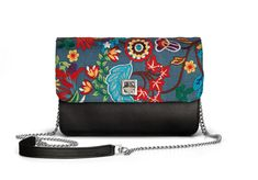 De Marquet - Night&Day: The Night&Day is a very versatile handbag with interchangeable covers that adapts to your style. This model features a black base and a embroidered denim cover. Find your combination at www. Day Bag, Day For Night, Finding Yourself, Your Style, Base, Denim, Cover, Fashion, Moda