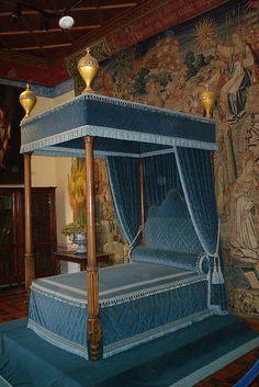 Inside Château de Chenonceaux (Chenonceaux, France) by courthouselover, via Flickr