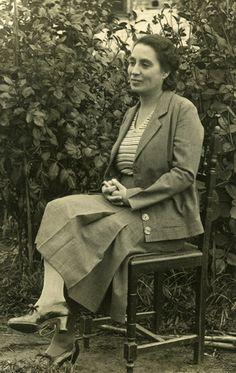 MEMORIAL DE ESCRITORES: Irene Lisboa (1892-1958) - DIÁRIO ABERTO