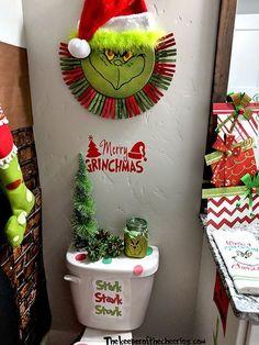 Grinch Bathroom Ideas, Grinch bathroom, how the grinch stole christmas, Christmas bathroom, Christma Grinch Christmas Decorations, Grinch Christmas Party, Christmas Themes, Christmas Ornaments, Christmas Christmas, Grinch Party, Christmas Island, Grinch That Stole Christmas, Grinch Ornaments