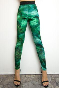 Legginsy z drukiem - Pani Pokrzywa. Projektant - Milita Nikonorov #leggings #leggingslove #legginsy #projektant Jogging, Snoopy, Fitness, Pants, Fashion, Tunic, Walking, Trouser Pants, Moda