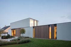 Modern Architecture Design, Minimalist Architecture, Concept Architecture, Residential Architecture, Chinese Architecture, Futuristic Architecture, House Architecture, Modern House Facades, Modern Buildings