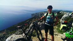 #boatandbike #Mountainbike #mtb #biken #girlsonbikes #bikergirls #girlsshredding #gipfelstürmer #croatia #ilovegirlsrider #staywild #outdoor #adventure #myeoft #niceview #trailslife #trailsurfing #inselhopping #cruising #alpenevent #draußen #nature #lifeisbetteroutside by gartenlaubeohnegarten