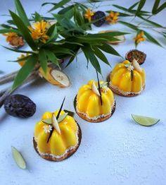 Cake Recipes, Vegan Recipes, Dessert Recipes, Dessert Charlotte, Biscuit Coco, Fancy Food Presentation, Dessert Aux Fruits, Vegan Ice Cream, French Pastries