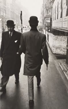 vintage everyday: Never-before-seen Black and White Photographs of London in the Early 1950s