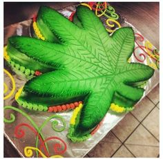 Trendy birthday cake for boyfriend ideas Cupcakes, Cupcake Cakes, Rasta Cake, 21st Birthday, Birthday Parties, Cake Birthday, Rasta Party, Weed Recipes, Marijuana Recipes