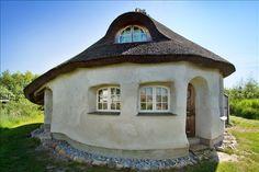 Hobbit like Home at Okosamfundet Dyssekilde Denmark
