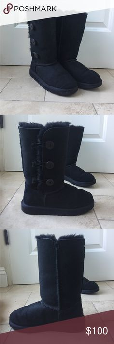 Black bailey button triplet UGGS Adorable black Uggs in the bailey button triplet style. Only worn a few times and in great condition!! Tag says size 4 but they fit anywhere from a women's 5-6.5. Feel free to ask questions or make an offer! UGG Shoes Winter & Rain Boots