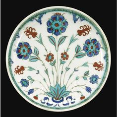 An Iznik Polychrome Pottery Dish, Turkey, circa 1580 | Lot | Sotheby's