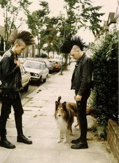 The goth subculture is a contemporary subculture found in many countries. It began in England during the early in the gothic rock scen. 80s Goth, 80s Punk, Diesel Punk, Psychobilly, Rock And Roll, Straight Edge, Punk Guys, Estilo Punk Rock, Mode Punk
