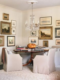 Tucked into a corner of the living room is a gathering spot designer Carter Kay … Interior Design Portfolios, Living Spaces, Living Room, Diy Home, Home Decor, Dining Room Sets, Dining Table, Atlanta Homes, Cozy Nook