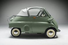 "BMW Isetta ""Little Iso"", bubble car, 1953. http://blog.massadaeyewear.com/2012/01/hot-cars-bmw/"