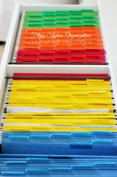Get your files in line.This is the ULTIMATE in paper, document and important file organization. Includes everything you need to get organized with tons of ideas and resources. Via A Bowl Full of Lemons
